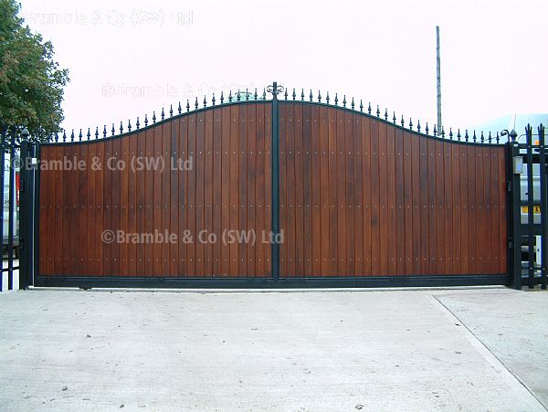 Electric Sliding Commercial Gate in Somerset