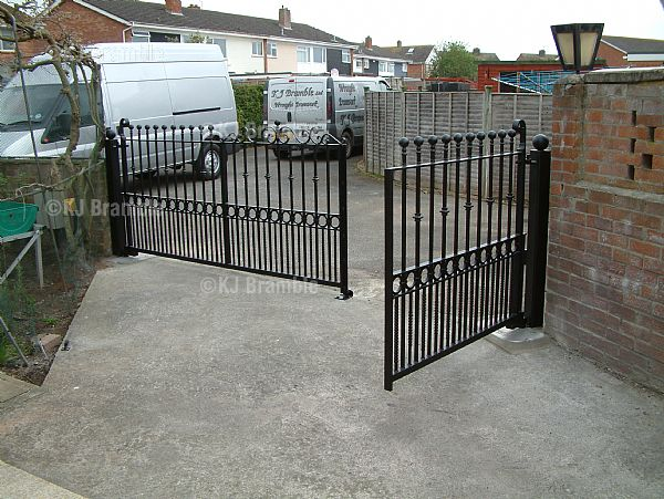 Electric Opening Gates, Odd Size, Somerset