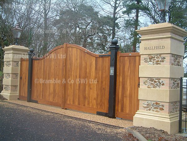 Electric Wooden Gates,Somerset,Devon